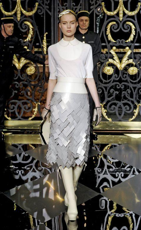 Sleeve, White, Style, Waist, Fashion accessory, Fashion, Fashion model, Embellishment, Headpiece, Model,
