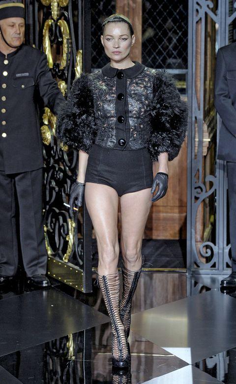 Outerwear, Style, Fashion, Thigh, Waist, Tights, Fashion model, Fashion design, Natural material, Military person,