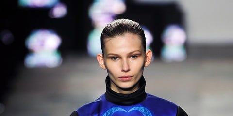 Fashion show, Style, Runway, Electric blue, Fashion, Cobalt blue, Fashion model, Tights, Street fashion, Fashion design,
