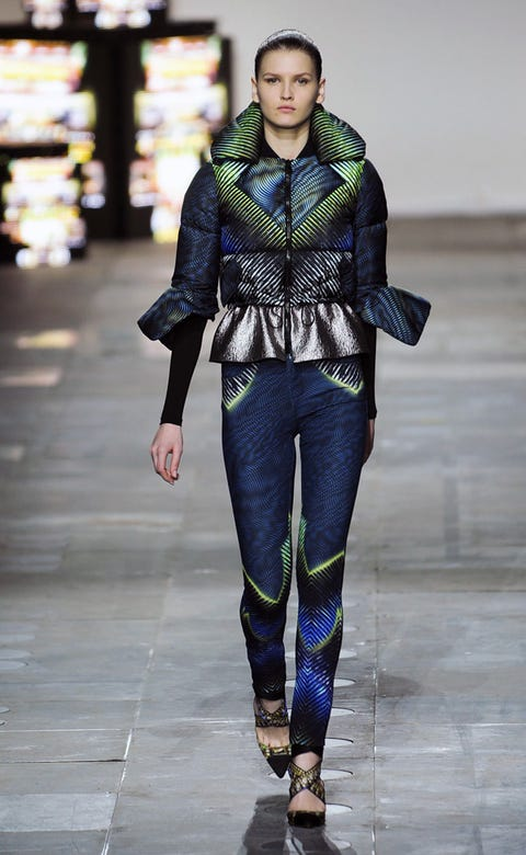 Clothing, Sleeve, Textile, Joint, Outerwear, Denim, Style, Street fashion, Pattern, Fashion model,