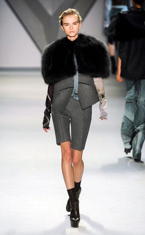 Clothing, Human, Leg, Fashion show, Sleeve, Winter, Shoulder, Runway, Textile, Human leg,