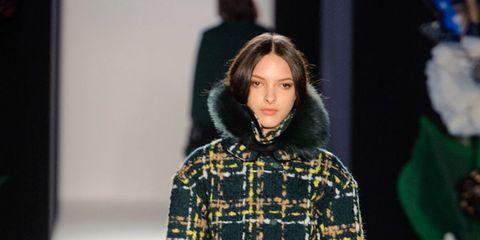 Sleeve, Textile, Outerwear, Bag, Fashion show, Style, Pattern, Fashion accessory, Fashion, Winter,