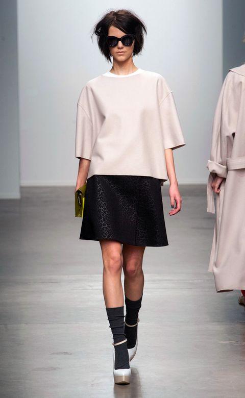 Clothing, Eyewear, Sleeve, Shoulder, Joint, White, Style, Knee, Street fashion, Fashion model,
