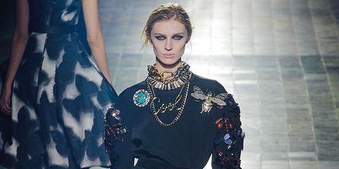 Sleeve, Style, Fashion model, Fashion, Waist, Street fashion, Day dress, One-piece garment, Embellishment, Fashion design,