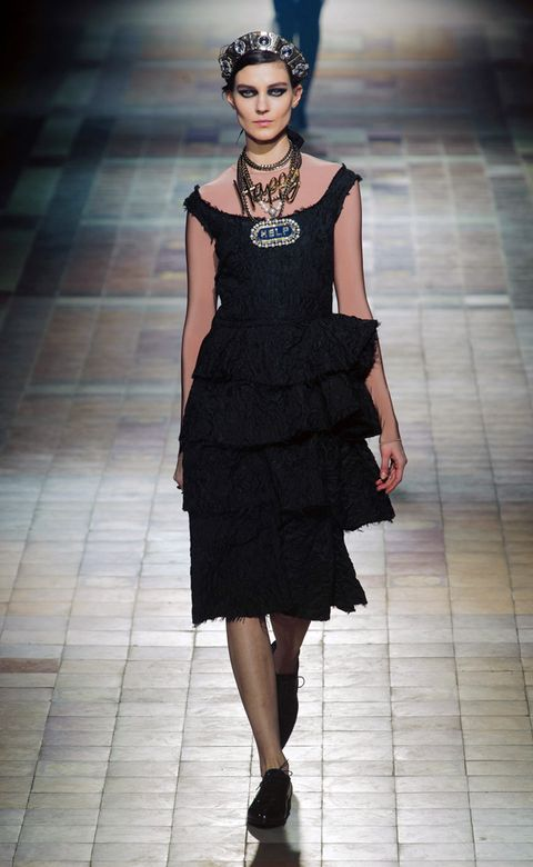 Clothing, Dress, Shoulder, Joint, Human leg, One-piece garment, Style, Cocktail dress, Formal wear, Fashion model,