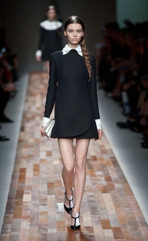 Clothing, Fashion show, Human leg, Shoulder, Joint, Outerwear, Runway, Formal wear, Fashion model, Style,