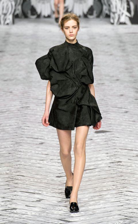 Clothing, Sleeve, Shoulder, Fashion show, Joint, Fashion model, Human leg, Style, Street fashion, Dress,