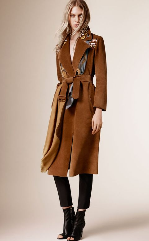 Clothing, Brown, Sleeve, Human body, Shoulder, Textile, Joint, Outerwear, Style, Coat,