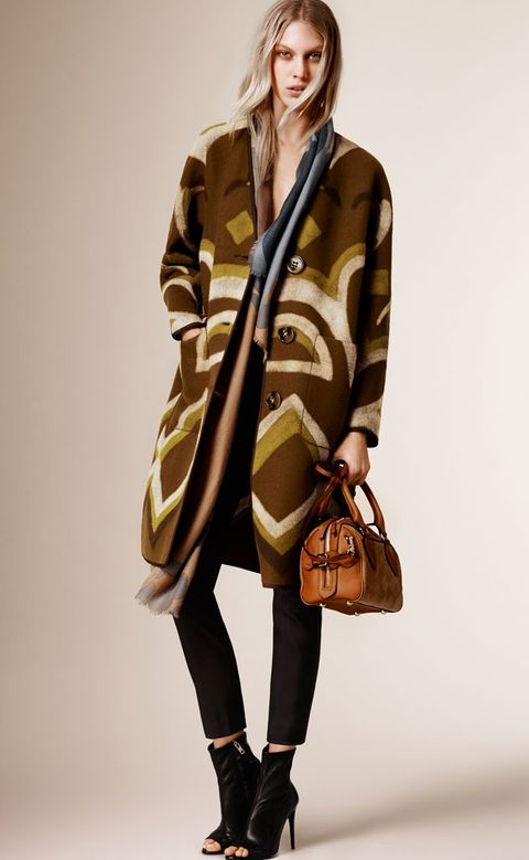Brown, Product, Sleeve, Shoulder, Bag, Textile, Joint, Outerwear, Coat, Fashion accessory,