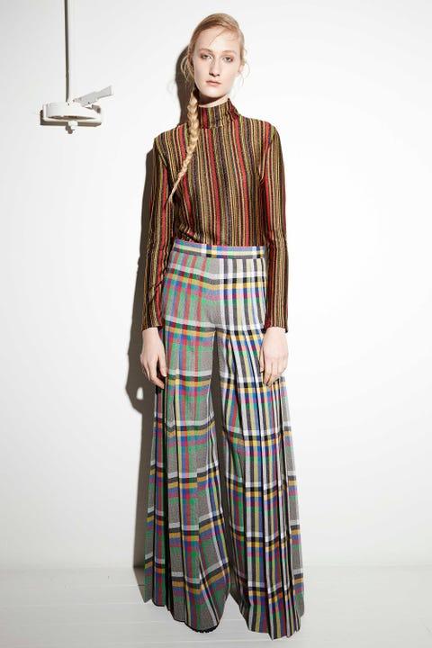 Sleeve, Textile, Collar, Tartan, Plaid, Style, Pattern, Street fashion, Vintage clothing, Waist,