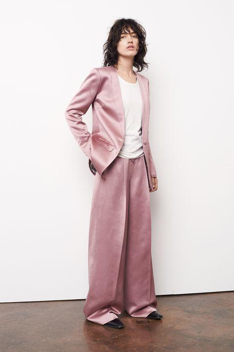 Sleeve, Shoulder, Collar, Standing, Formal wear, Style, Jewellery, Blazer, Fashion, Neck,