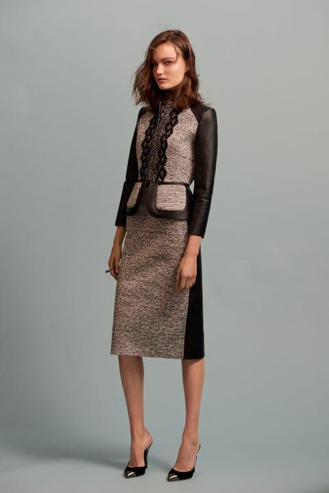 Clothing, Sleeve, Shoulder, Human leg, Joint, Style, Collar, Knee, Fashion, Pattern,