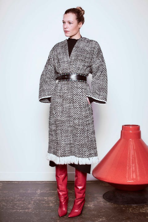 Clothing, Sleeve, Textile, Red, Collar, Outerwear, Style, Pattern, Street fashion, Carmine,