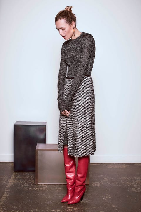 Sleeve, Shoulder, Dress, Textile, Joint, Standing, Style, One-piece garment, Boot, Fashion,