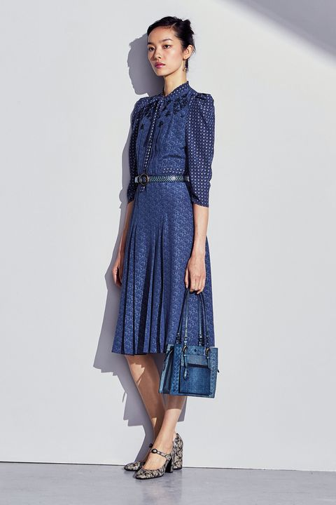 Clothing, Blue, Leg, Sleeve, Shoulder, Textile, Joint, Human leg, Style, Dress,
