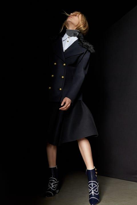 Clothing, Collar, Sleeve, Joint, Formal wear, Style, Blazer, Knee, Fashion, Fashion model,