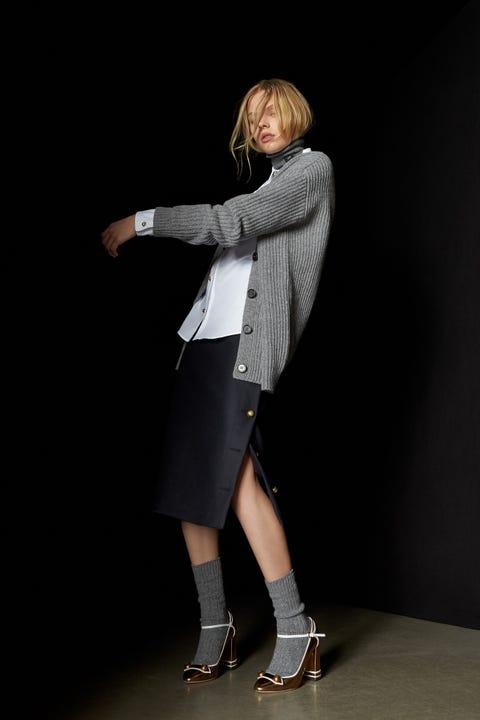 Sleeve, Human leg, Joint, Style, Collar, Knee, Fashion, Sandal, Street fashion, High heels,