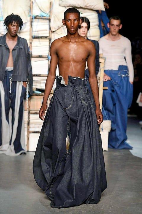 Blue, Human body, Style, Waist, Black hair, Denim, Street fashion, Trunk, Fashion, Abdomen,