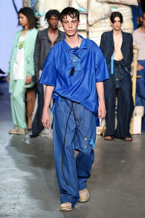 Blue, Trousers, Textile, Style, Denim, Electric blue, Waist, Street fashion, Fashion, Black hair,