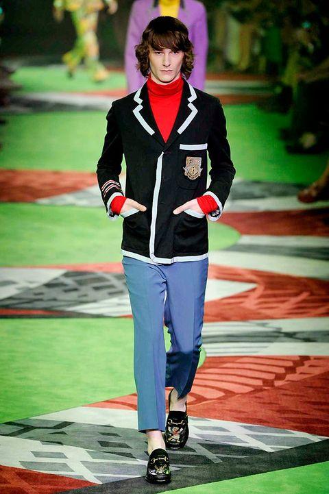Green, Outerwear, Coat, Style, Blazer, Street fashion, Fashion, Knee, Jacket, Fashion model,