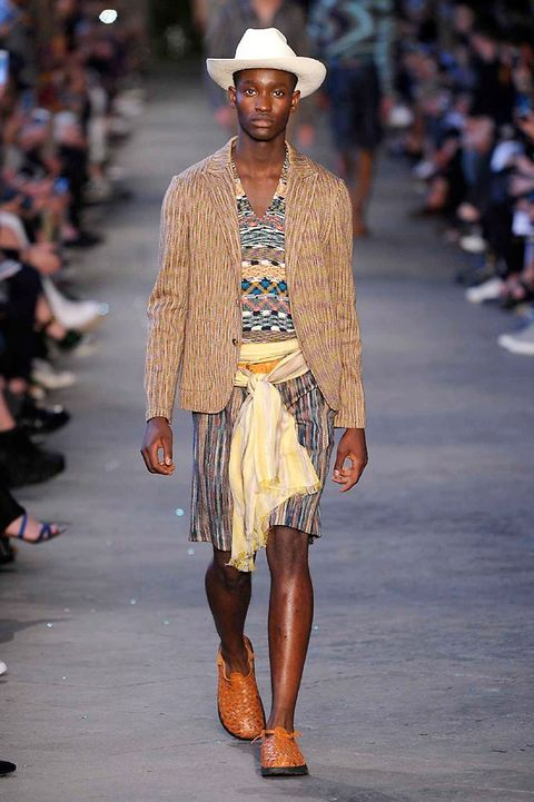 Clothing, Footwear, Brown, Hat, Fashion show, Joint, Outerwear, Runway, Style, Street fashion,