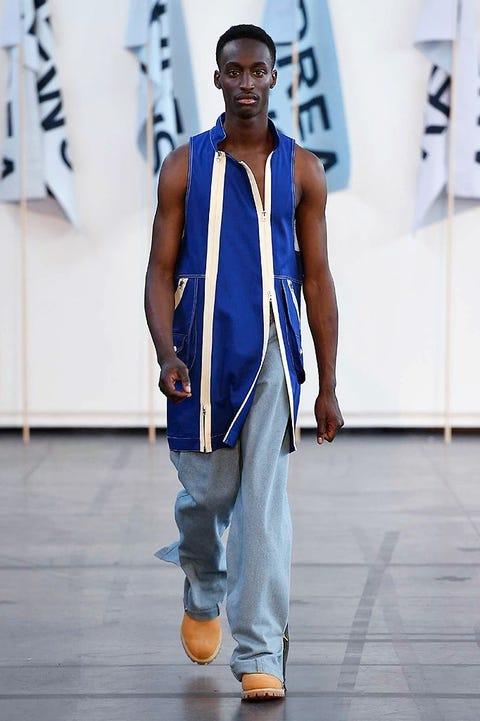 Blue, Shoulder, Shoe, Jeans, Joint, Standing, Denim, Elbow, Flooring, Electric blue,