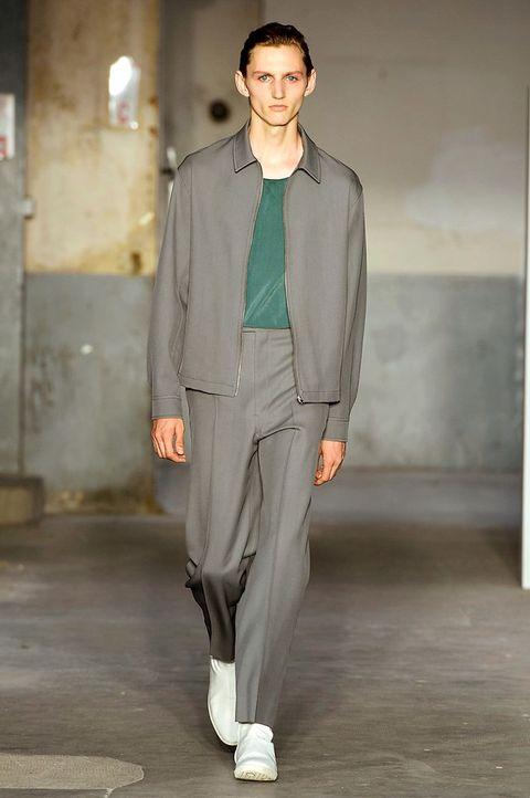 Fashion, Clothing, Fashion show, Fashion model, Runway, Outerwear, Human, Fashion design, Suit, Street fashion,