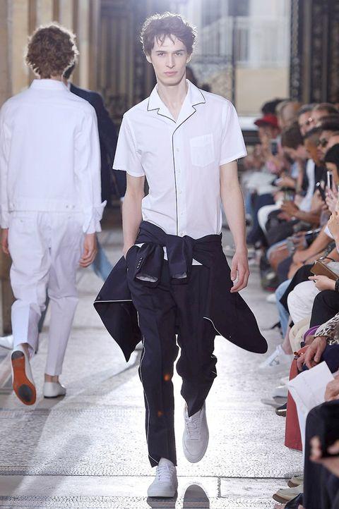 Sleeve, Dress shirt, Collar, Shirt, Outerwear, Style, Street fashion, Fashion, Fashion show, Fashion model,