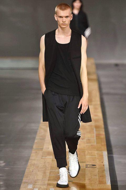 Fashion model, Fashion show, Runway, Fashion, Clothing, Shoulder, Public event, Sportswear, Human, Footwear,