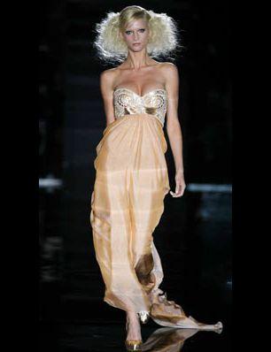Clothing, Hairstyle, Shoulder, Joint, Fashion model, Style, Fashion show, Fashion, Neck, Dress,