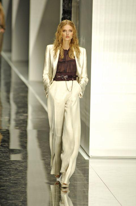 Style, Fashion show, Blazer, Runway, Street fashion, Fashion model, Waist, Long hair, Blond, Model,