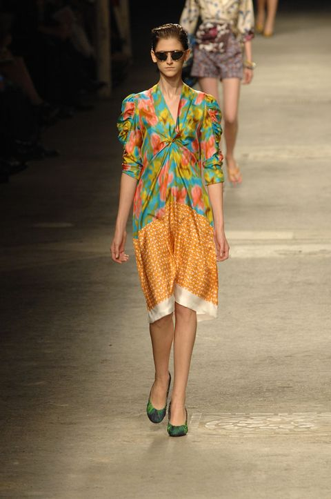 Clothing, Eyewear, Shoulder, Fashion show, Style, Summer, Runway, Street fashion, Fashion model, Fashion,