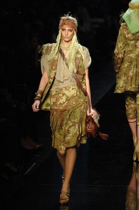 Fashion show, Style, Costume design, Runway, Dress, Fashion model, Fashion, One-piece garment, High heels, Model,