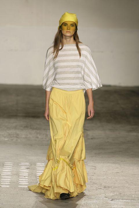 Brown, Yellow, Sleeve, Textile, Joint, Khaki, Sandal, Fashion, Neck, Waist,
