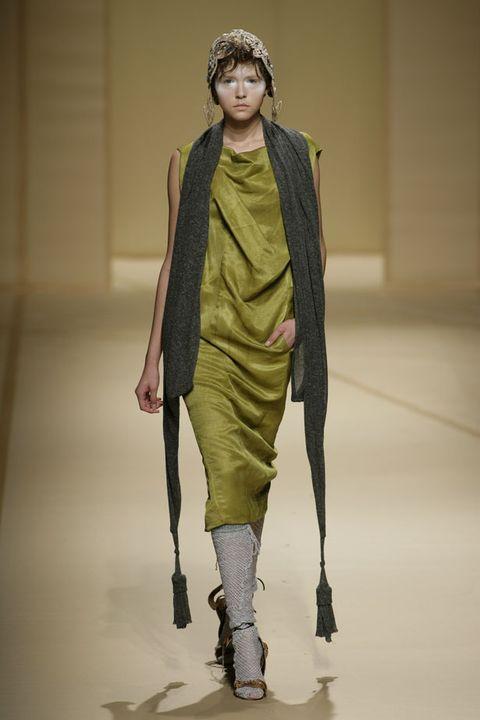 Clothing, Fashion show, Shoulder, Joint, Runway, Style, Fashion model, Fashion, Costume design, Knee,