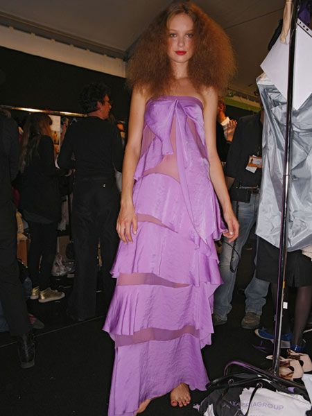 Dress, Shoulder, Textile, One-piece garment, Purple, Magenta, Fashion, Microphone stand, Day dress, Fashion show,
