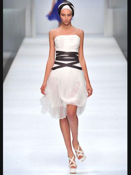 Clothing, Shoulder, Joint, White, Red, Human leg, Fashion show, Dress, Style, Fashion model,