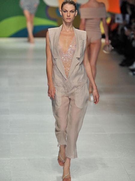 Clothing, Fashion show, Shoulder, Runway, Joint, Waist, Fashion model, Style, Fashion, Neck,