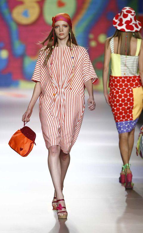 Clothing, Shoulder, Red, Pattern, Fashion show, Orange, Style, Fashion accessory, Dress, Fashion model,