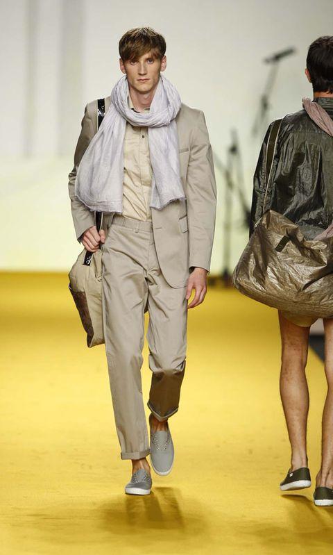 Leg, Sleeve, Jacket, Textile, Joint, Outerwear, Bag, Style, Collar, Fashion,