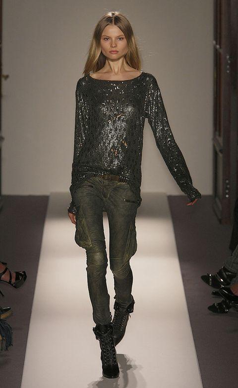Sleeve, Shoulder, Textile, Joint, Outerwear, Fashion model, Style, Fashion show, Denim, Fashion,