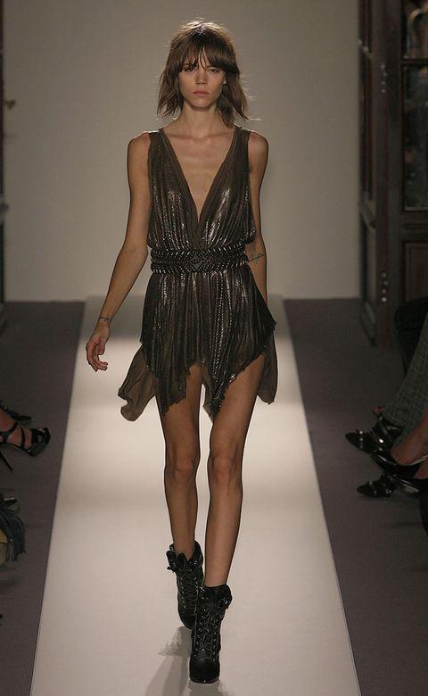 Shoulder, Human leg, Dress, Joint, Fashion model, Style, Thigh, Fashion show, Fashion, Black,