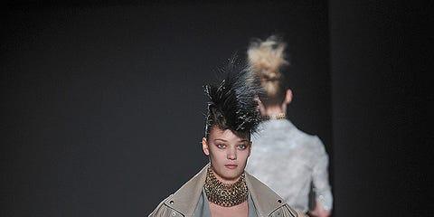 Fashion show, Human body, Joint, Outerwear, Runway, Style, Fashion model, Fashion, Costume design, Fashion design,