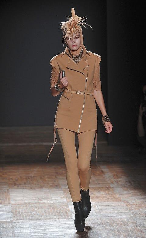 Human, Human body, Skin, Joint, Style, Fashion, Fashion model, Costume design, Knee, Fashion show,