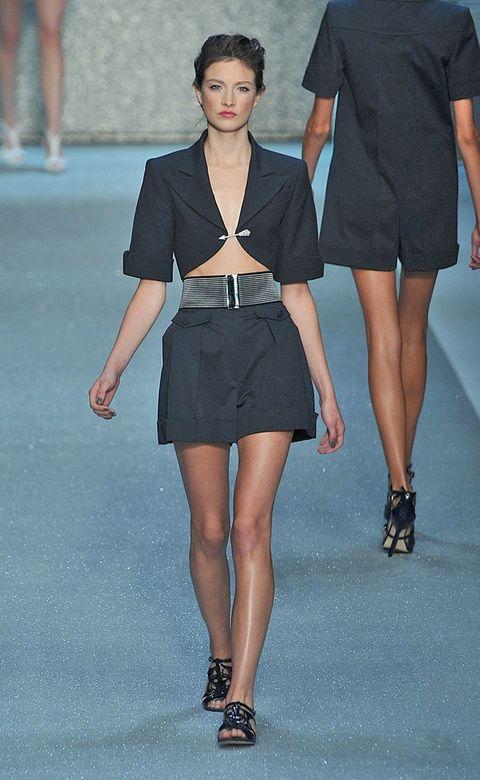 Clothing, Leg, Human leg, Sleeve, Human body, Shoulder, Joint, Style, Fashion model, Waist,