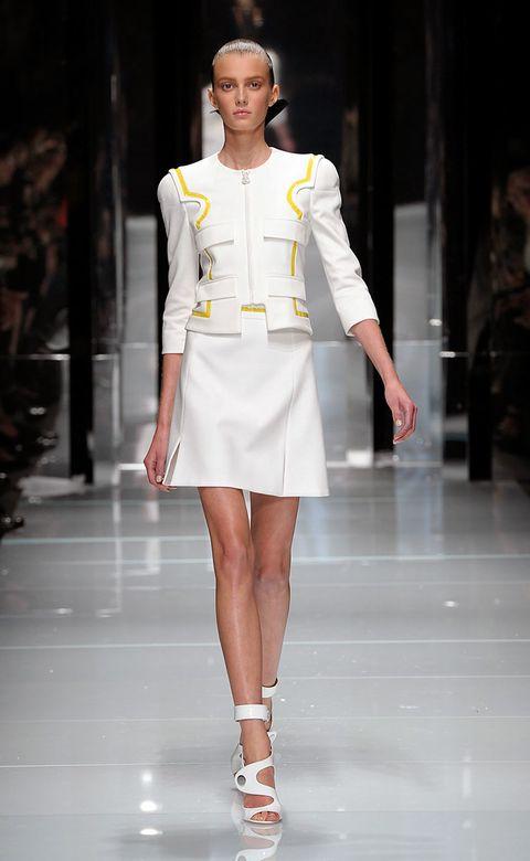 Sleeve, Shoulder, Human leg, Fashion show, Joint, Outerwear, White, Runway, Style, Fashion model,