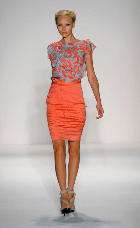 Human leg, Shoulder, Fashion show, Dress, Joint, Red, Waist, One-piece garment, Style, Fashion model,