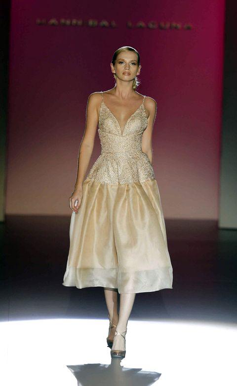 Clothing, Human body, Shoulder, Joint, Fashion show, Dress, Fashion model, Style, Formal wear, Fashion accessory,