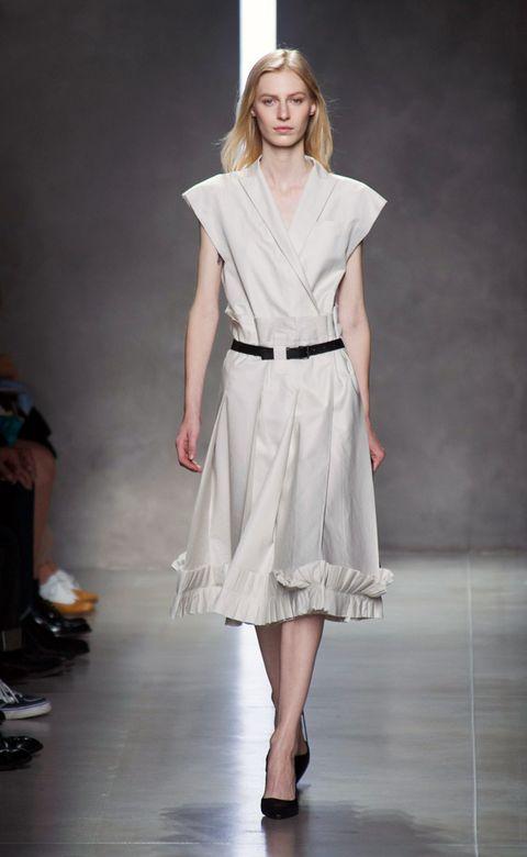 Shoulder, Fashion show, Joint, Style, Fashion model, Waist, Runway, Fashion, Neck, Youth,
