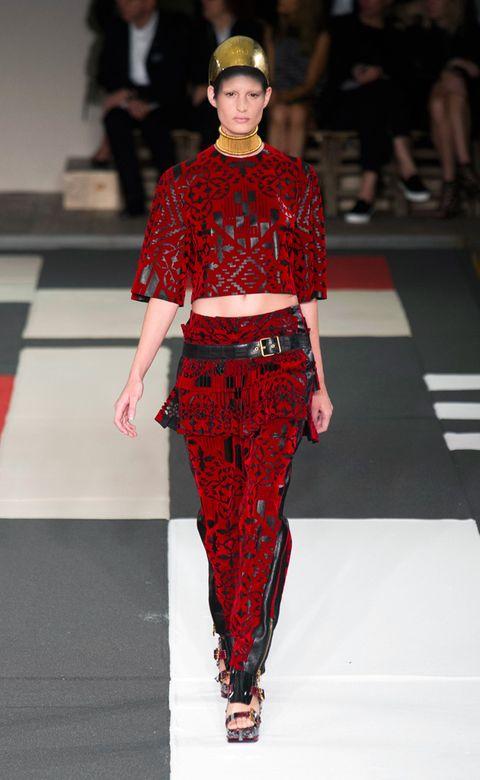 Fashion show, Joint, Red, Runway, Style, Waist, Fashion model, Street fashion, Carmine, Fashion,